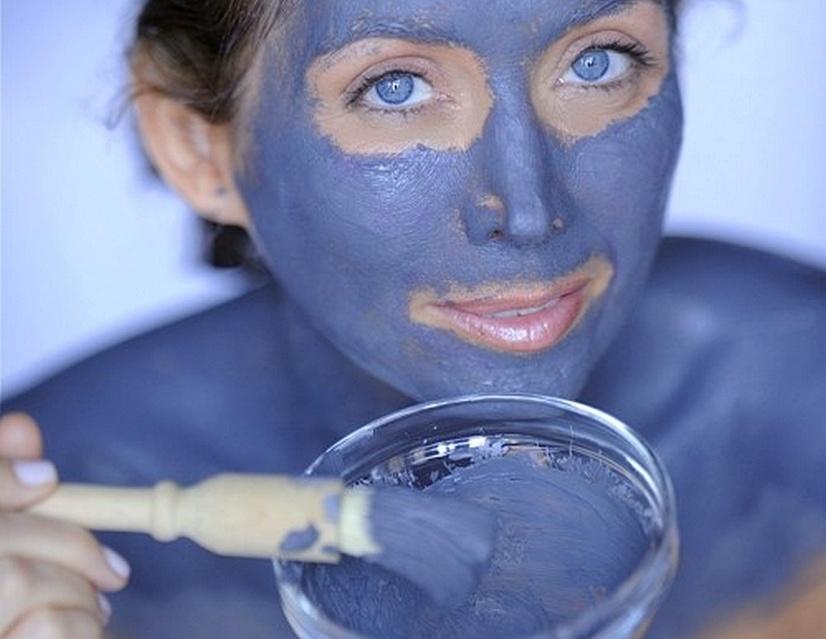 Голубая глина для лица: полезные свойства, применение.