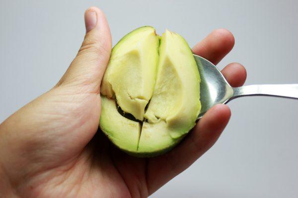 Извлечение мякоти из авокадо