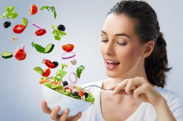 Правильное питание — отличный способ избавиться от пигментации в домашних условиях
