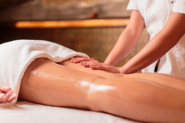 Выполнение классического ручного антицеллюлитного массажа