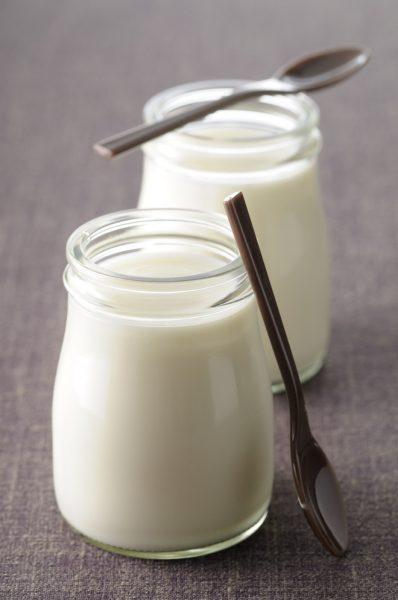 Классический йогурт в прозрачной баночке