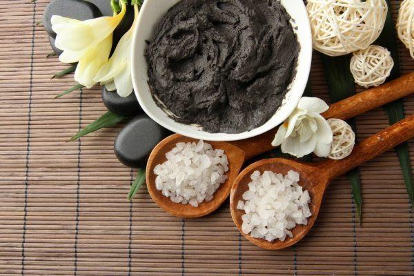 Чёрная глина в белой пиале