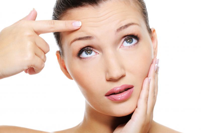 Морщины на лбу: как избавиться или замаскировать