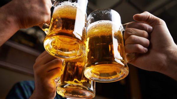 Пиво в прозрачных кружках — причина целлюлита