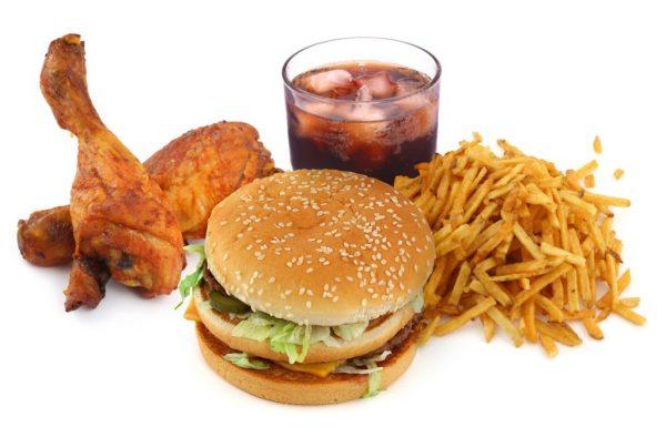 Гамбургер, картошка, курица и кола