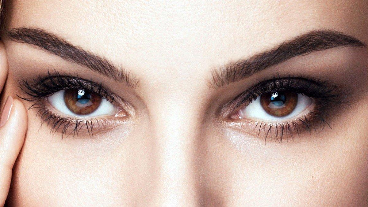 Морщины вокруг глаз: причины возникновения и способы убрать их