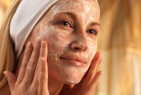Дрожжевая маска на лице