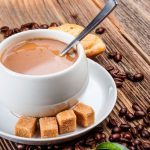 Кофе с молоком и сахаром
