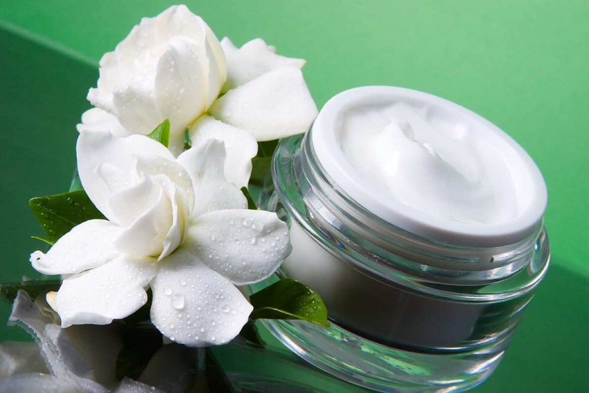 Морщины — не приговор: устранение проблемы с помощью антивозрастных кремов