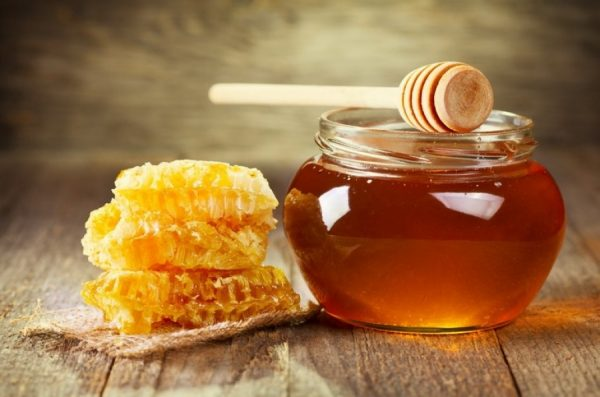Мёд в прозрачной банке