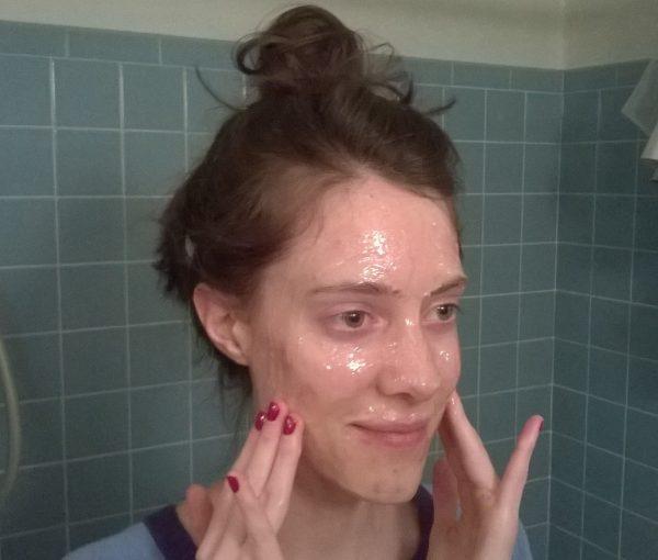 Домашний массаж лица с мёдом, шаг 4