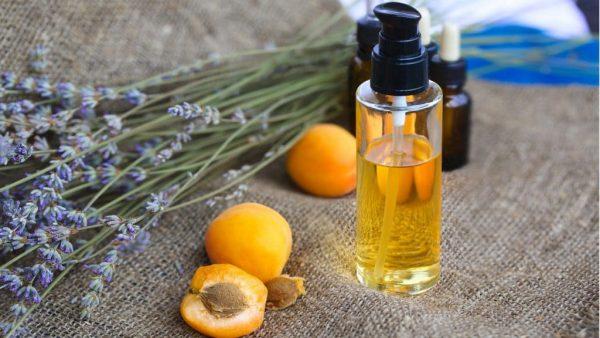 Абрикосовое масло и лаванда