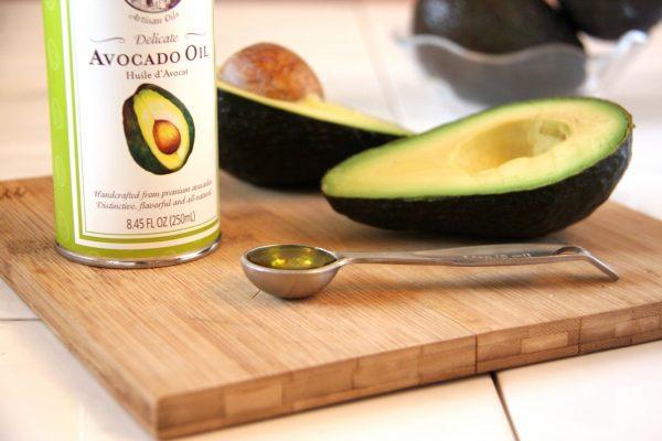 Масло и мякоть авокадо