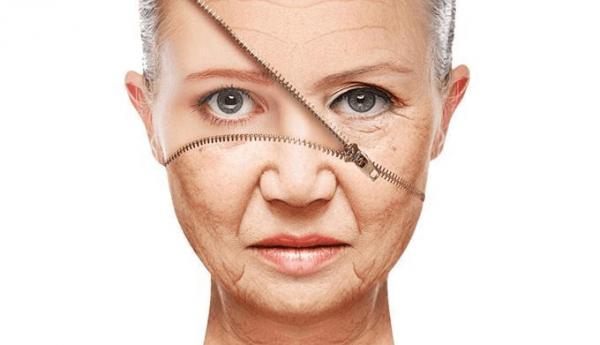 Увядающая кожа лица женщины