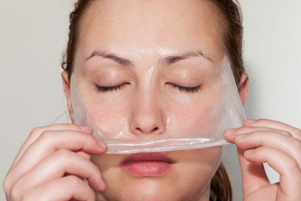 Удаление желатиновой маски с лица