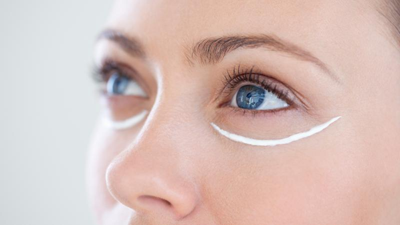 Крем от морщин вокруг глаз: как сделать правильный выбор